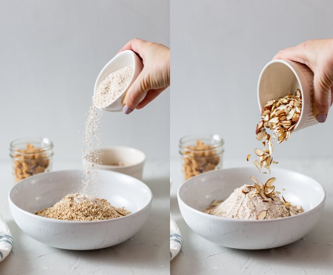 Mix together flour and almonds