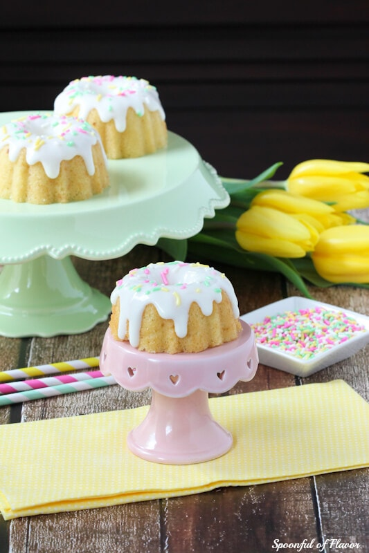 Mini Lemon Bundt