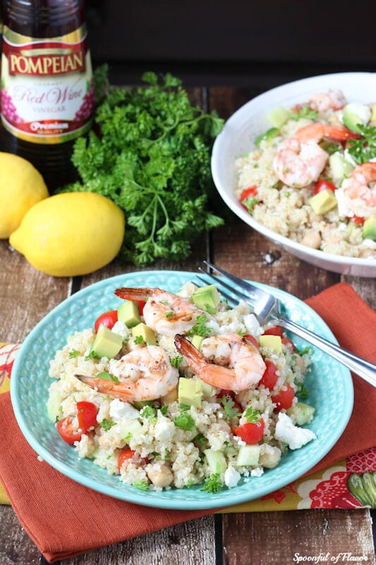 Mediterranean Grilled Shrimp Quinoa Salad - made with fresh olive oil red wine vinaigrette! So fresh and irresistible!