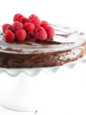 Flourless Chocolate Cake with Chocolate Ganache - only four ingredients creates a beautiful cake!