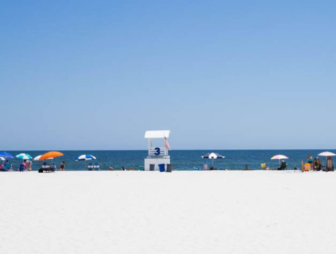 A weekend in Gulf Shores, Alabama - sun, sand and fun! A perfect place for a family vacation or weekend escape!