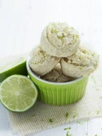 Key Lime Pie Macaroons (Coco-roons) are gluten free, dairy free, vegan and raw!