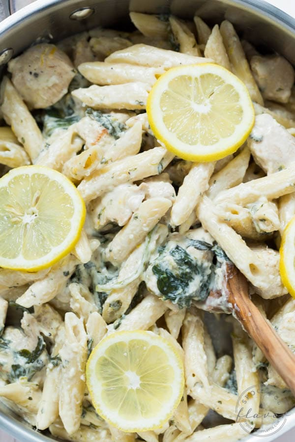 One Pot Creamy Lemon Chicken Pasta with Baby Kale - an easy, creamy and delicious meal that the entire family will love!