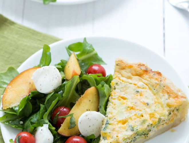 Peach Caprese Salad is a simple summer salad made with fresh peaches, tomatoes, mozzarella, arugula and balsamic vinegar!