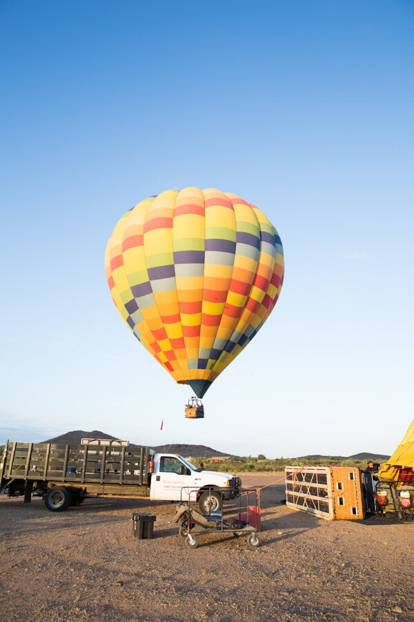 The Best Outdoor Adventures in Phoenix and the surrounding area featuring a hot air balloon ride in the desert, hiking and more!
