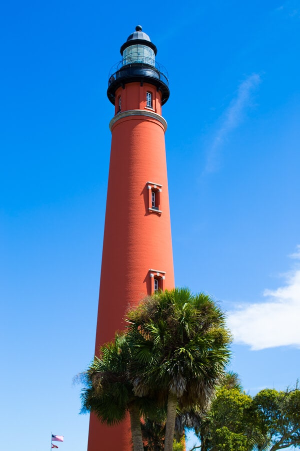 A weekend in Daytona Beach, Florida including where to stay, where to eat and what to do. Featuring the Ponce de Leon Inlet Lighthouse!