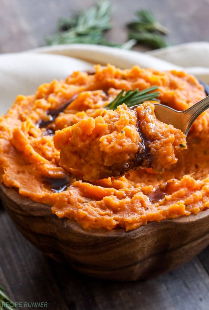 Brown Butter and Rosemary Mashed Sweet Potatoes | Four ingredients are all you need to make these delicious savory mashed sweet potatoes!