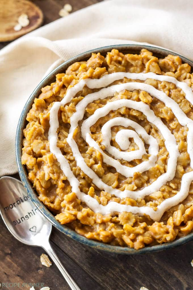 Pumpkin Cinnamon Roll Oatmeal