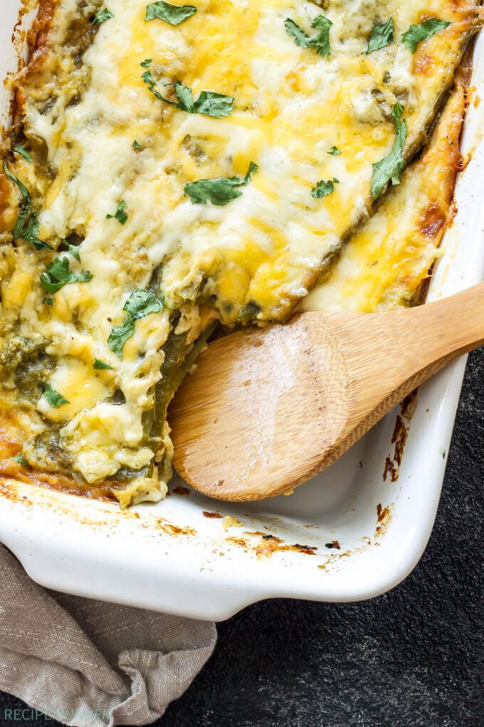 Easy Chile Rellenos Casserole   This quiche-like casserole made up of layers of green chiles and cheese is a meal even the most novice cook can put together! Perfect for dinner or breakfast!
