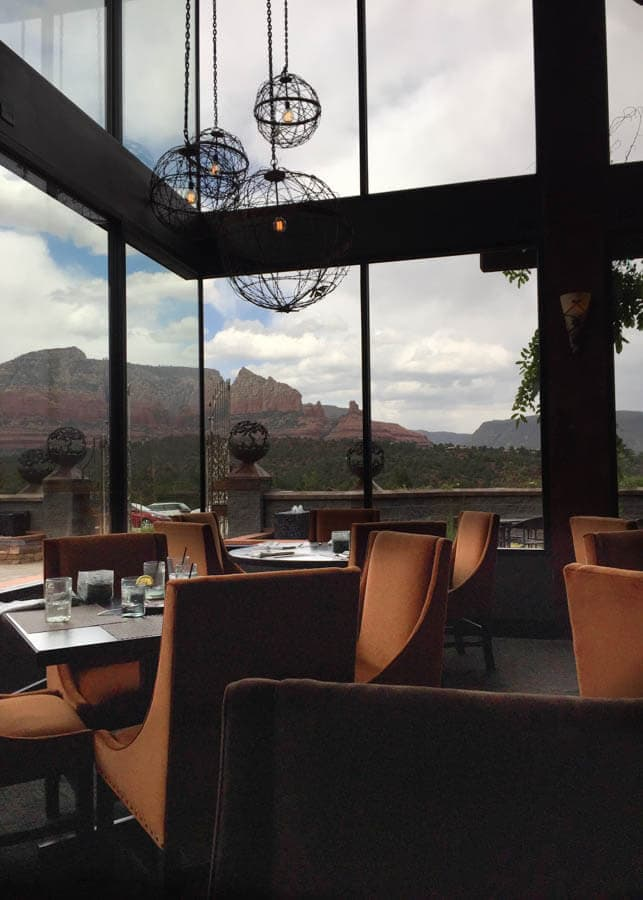 A Weekend Guide to Sedona Arizona includes the best things to eat, see and do during a short visit to Red Rock Country!