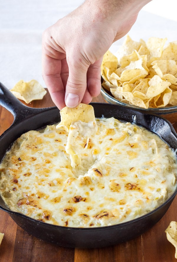 Skinny Green Chile Chicken Enchilada Dip | www.reciperunner.com