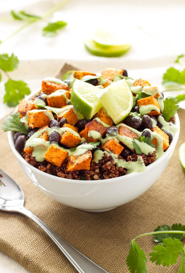 A healthy weekly meal plan with turkey sausage jalapeno white bean chili, spinach avocado goat cheese quesadillas, sweet potato and black bean quinoa bowls and more delicious recipes make meal planning easy!