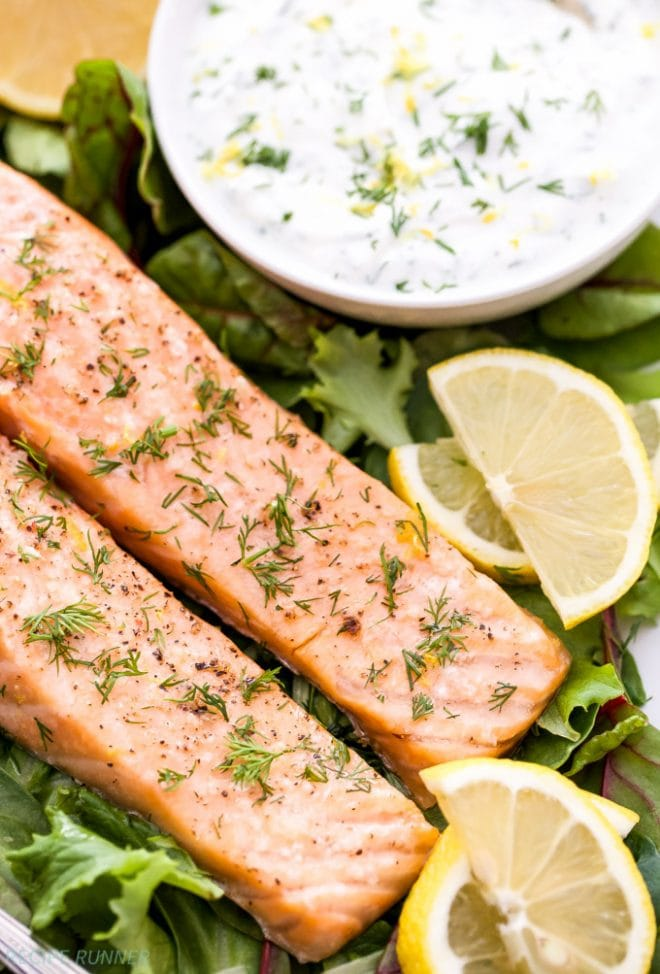Baked Salmon with Lemon Dill Yogurt Sauce | www.reciperunner.com