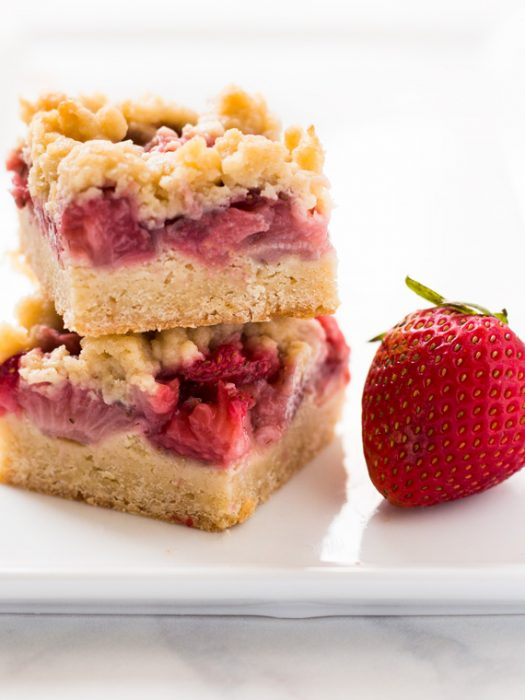 Strawberry crumble bars are an easy and delicious summer treat! | www.spoonfulofflavor.com