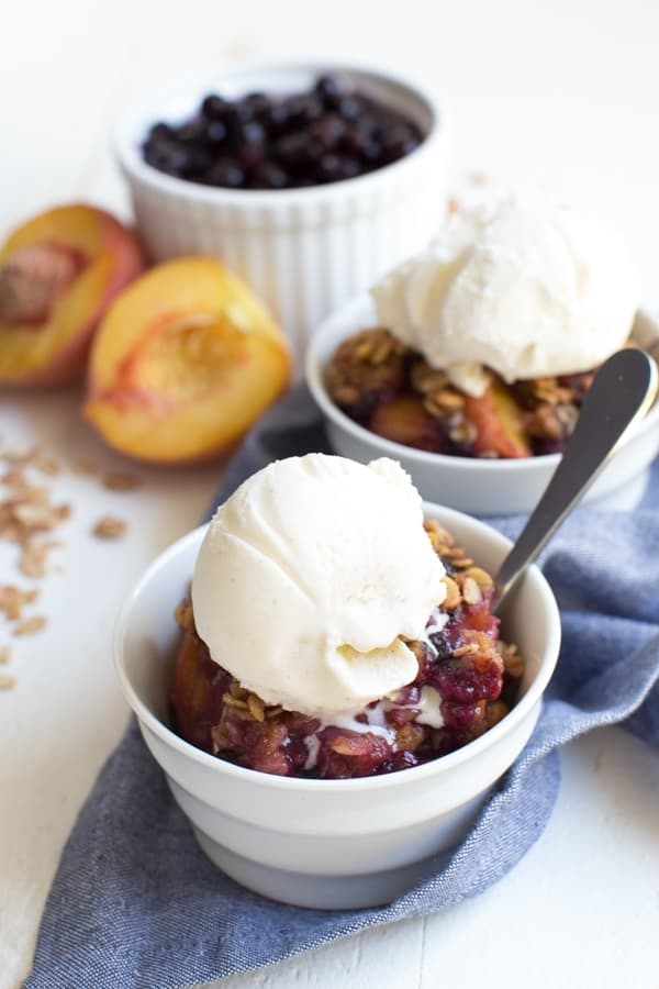 Grilled Peach and Blueberry Crisp - Spoonful of Flavor