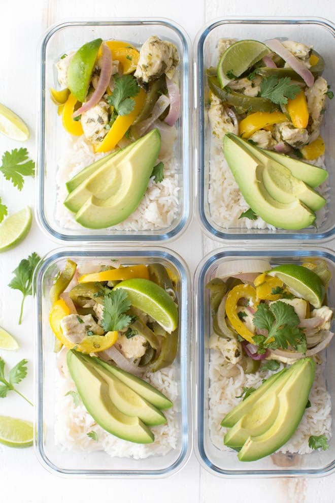 Meal Prep Cilantro Lime Chicken Fajitas in Foil are made with easy-to-find ingredients and are packed with flavor! Bake the chicken fajita filling in foil, serve with rice or tortillas and enjoy for lunch or dinner.