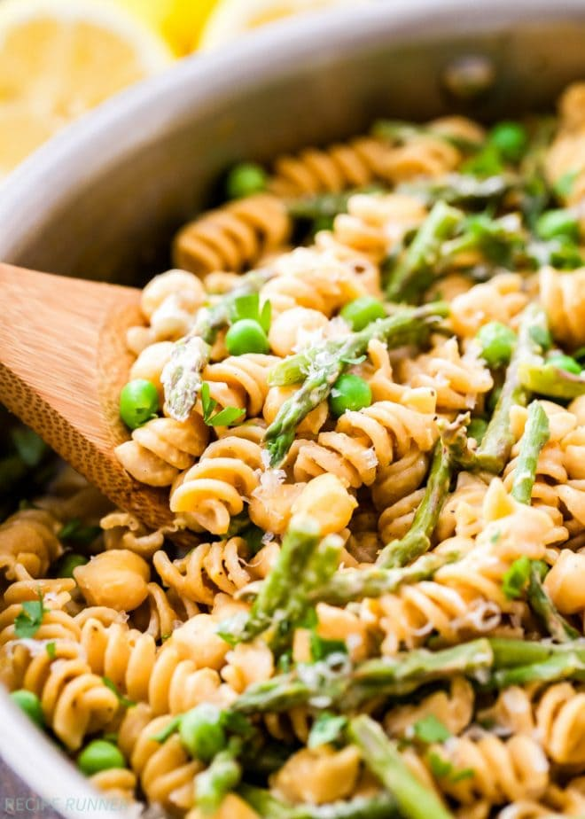 One Pot Creamy Lemon Goat Cheese Pasta with Chickpeas and Asparagus | www.reciperunner.com
