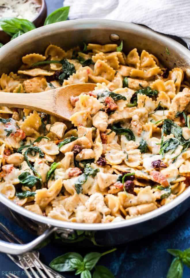 One Pot Creamy Sun Dried Tomato and Spinach Pasta with ...