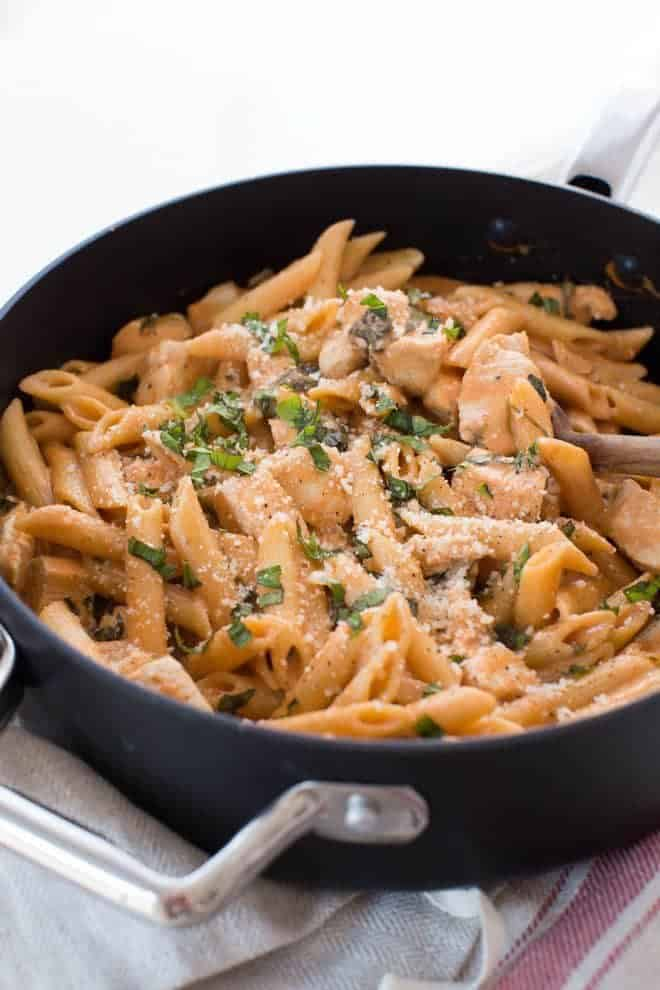 One Pot Creamy Tomato Pasta With Chicken And Spinach Spoonful Of