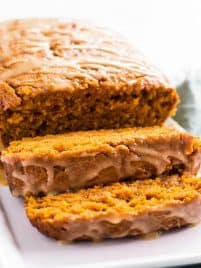 Maple pumpkin bread is a delicious recipe to make for fall! | www.spoonfulofflavor.com