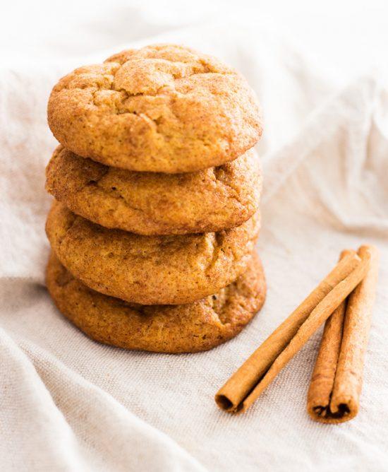 Pumpkin snickerdoodle cookies | www.ifyougiveablondeakitchen.com