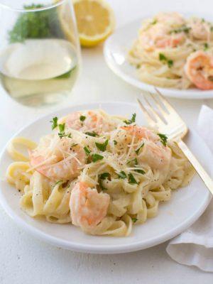 shrimp fettuccine pasta on a plate
