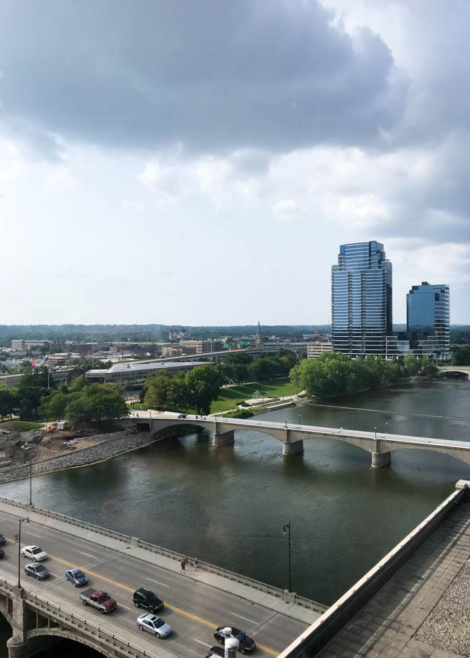 A Weekend Guide to Grand Rapids Michigan includes the best things to eat, see and do during a visit to the city! The guide also includes where to stay in Grand Rapids and features unique outdoor adventures and foodie experiences. #GrandRapids #travel #guide #weekend #visit #holiday #beercity #foodie #LakeMichigan #river