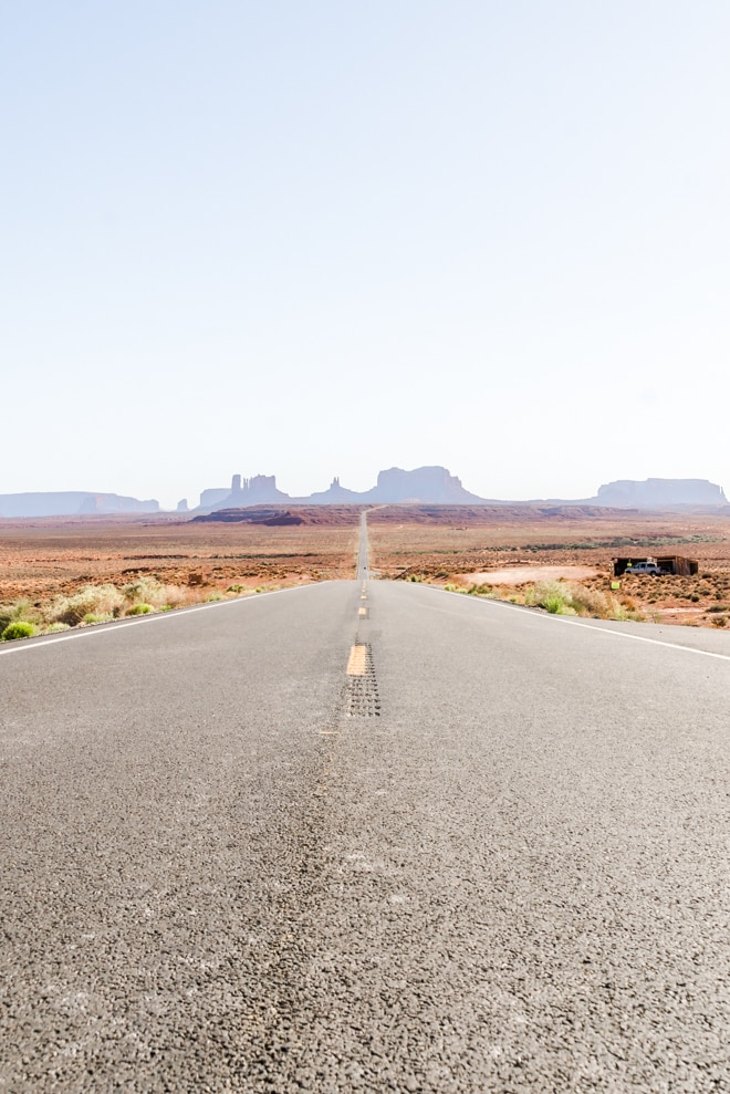 Plan a Utah to Arizona road trip with five stops at some of the most beautiful places in the entire country including Grand Canyon, Sedona, Moab and Salt Lake City. Explore the best things to see, eat and stay at these on a trip that is great for anyone! #roadtrip #nationalpark #utah #travel #guide #foodie #vacation #monumentvalley