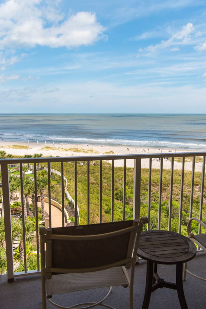 Omni Amelia Island Plantation Resort is the perfect getaway in Florida! Read all about the best culinary experiences, restaurants, activities and more - featuring outdoor activities! #Omni #AmeliaIsland #resort #beach #Florida #outdoor