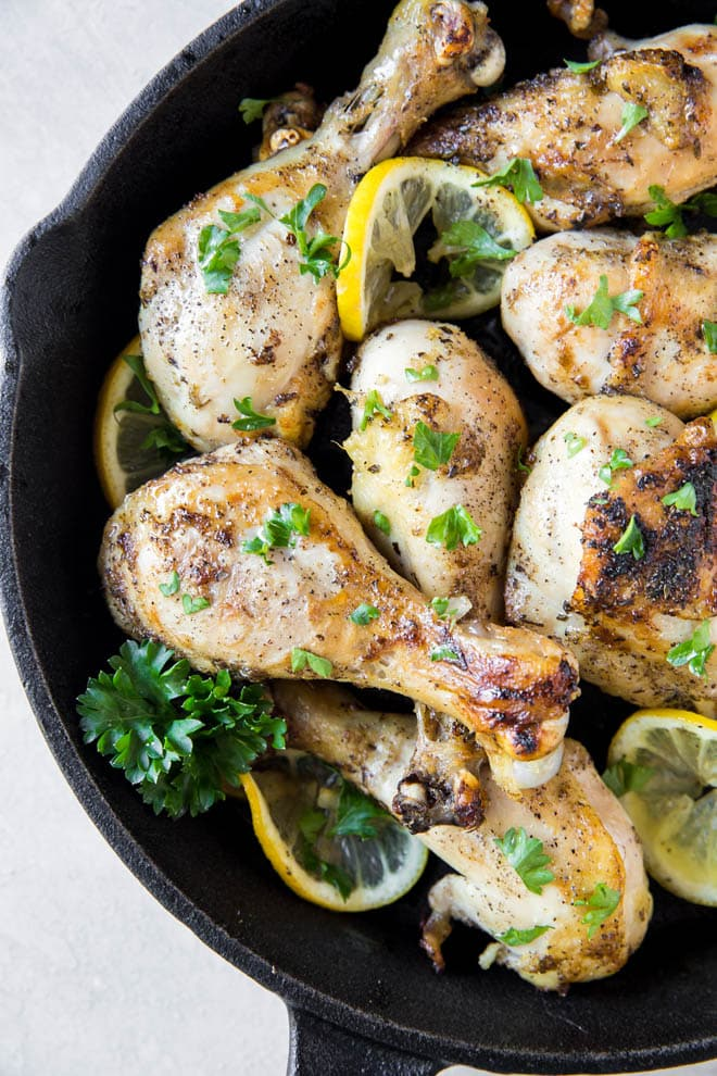 Lemon Pepper Chicken Drumsticks are the perfect recipe for any day of the week! #lemon #pepper #chicken #drumsticks #recipe #dinner #healthy