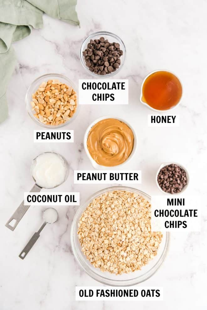 ingredients for chocolate chip granola bars